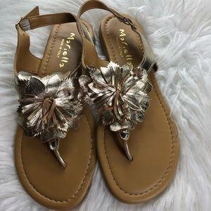 9d937b5acf2888 Nwot Mariel s Italian Leather gold flower sandals